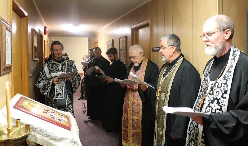 Fr. Steven Voytovich presides at Akathistos Hymn.